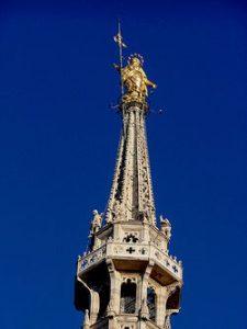 Copia de 250px-Duomo_Milan_Madonnina