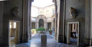 musei_vaticani_-_cortile_del_belvedere_01137-9